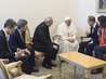 Secretary-General Has Audience with Pope 2.2853963