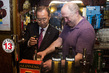 Secretary-General Visits Irish Pub in Dublin 3.7477055