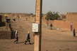 Street Scene from Menaka, Northern Mali 4.648031