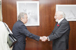 Secretary-General Meets Political Cartoonist 2.82583