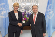 Secretary General Meets Defence Minister of Italy 2.8356295