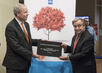 Netherlands Gifts Tree to United Nations 4.2660866