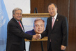 Secretary-General Recieves Gift from Former Secretary-General 1.0