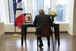 Secretary-General Signs Book of Condolences for Former President of France 2.8594427
