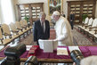 Secretary-General Meets with Pope Francis 3.78035