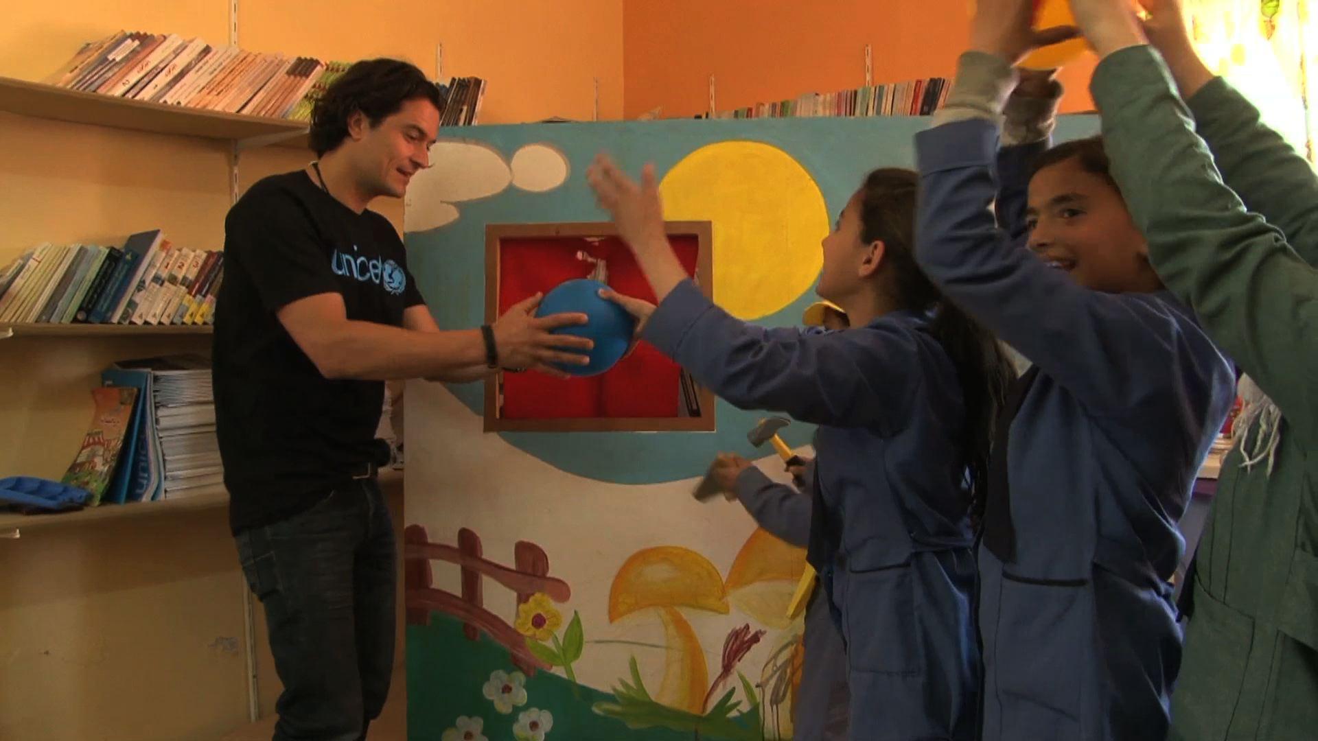 Selected frame from video story UNICEF / ORLANDO BLOOM