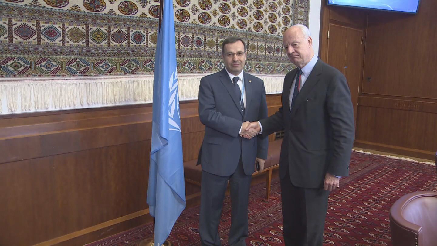 Selected frame from video story GENEVA /  DE MISTURA AND AALA