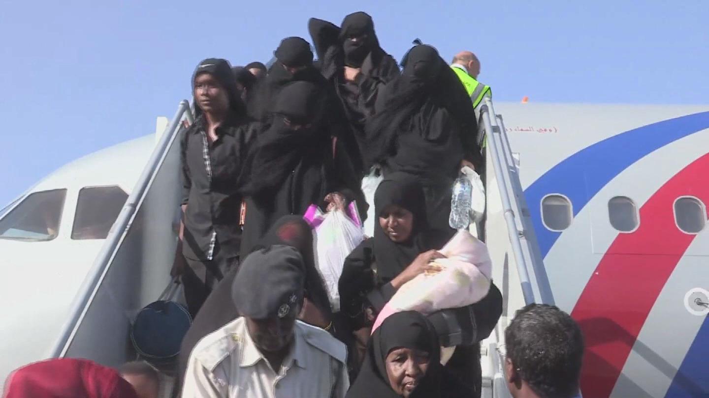 Selected frame from video story SOMALIA / YEMEN EVACUEES