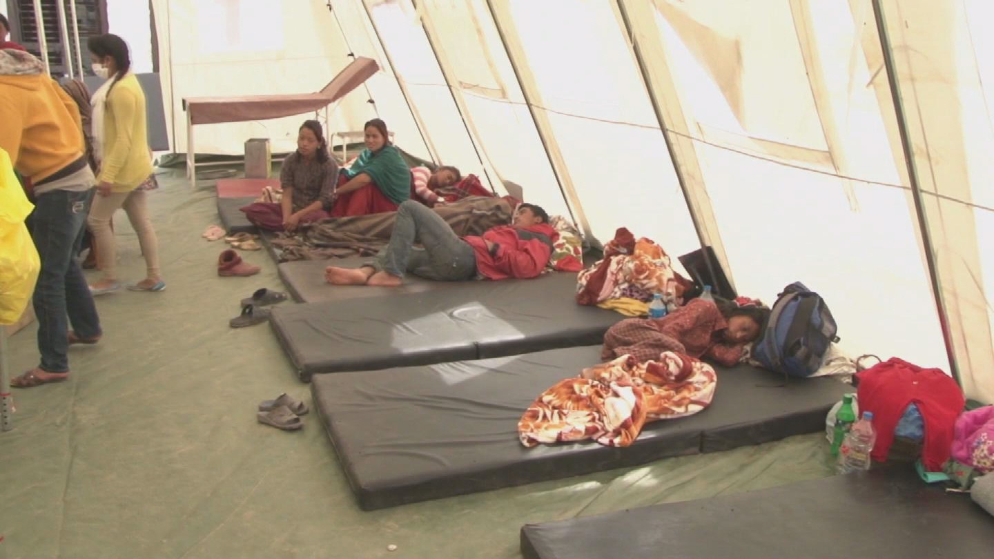 Selected frame from video story NEPAL / UNICEF TENTS