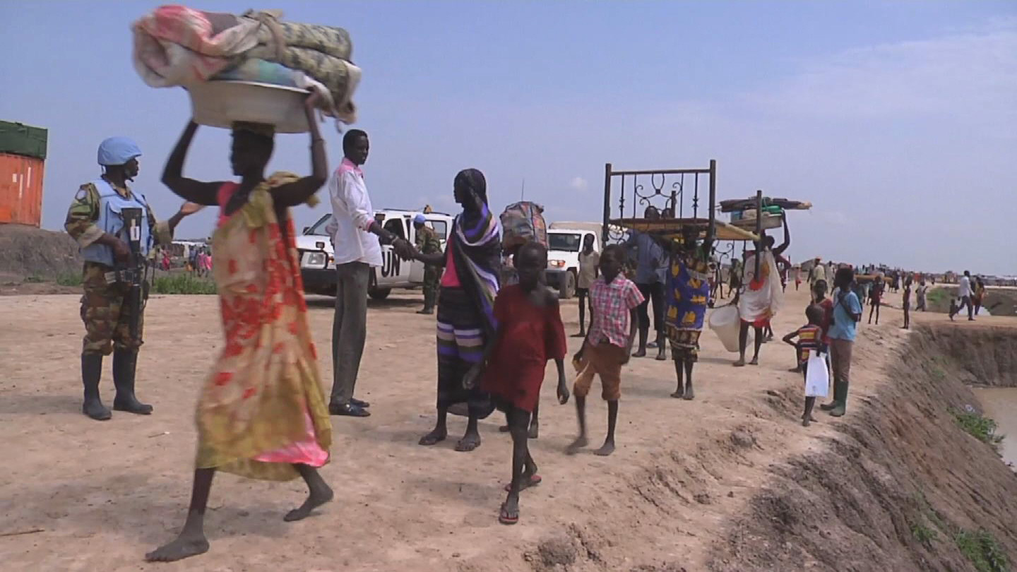 Selected frame from video story SOUTH SUDAN / BENTIU RELOCATION
