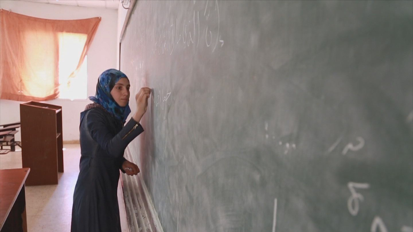 Selected frame from video story UNHCR / ALAA ZAATARI STUDENT
