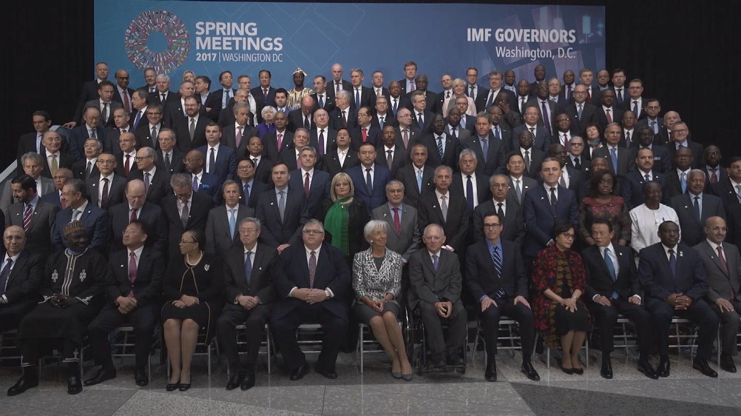 IMF / FAMILY PHOTO