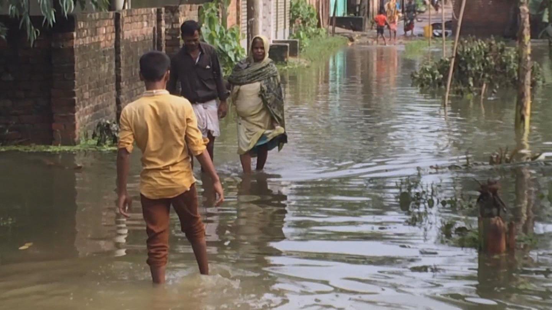 BANGLADESH / FLOODS