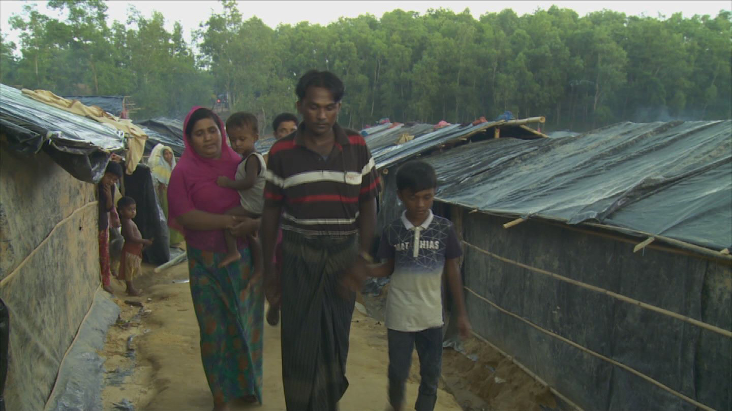 ROHINGYA / REFUGEE FAMILY