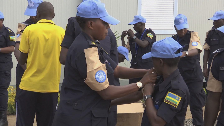SOUTH SUDAN  RWANDA FEMALE POLICE OFFICERS