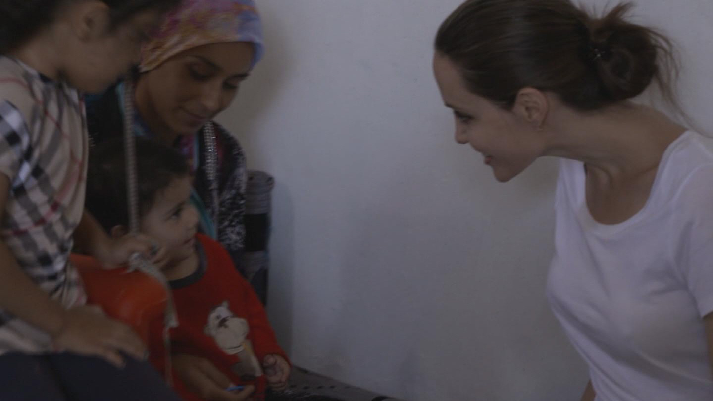 IRAQ / ANGELINA JOLIE DOMIZ CAMP