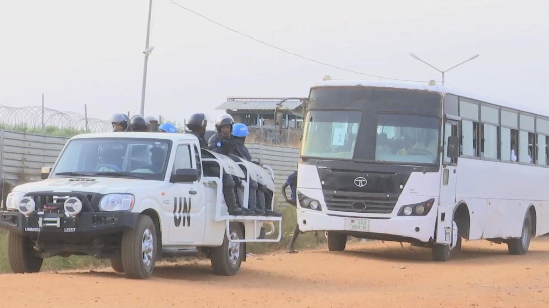 SOUTH SUDAN  PEACEKEEPERS ESCORT STUDENTS