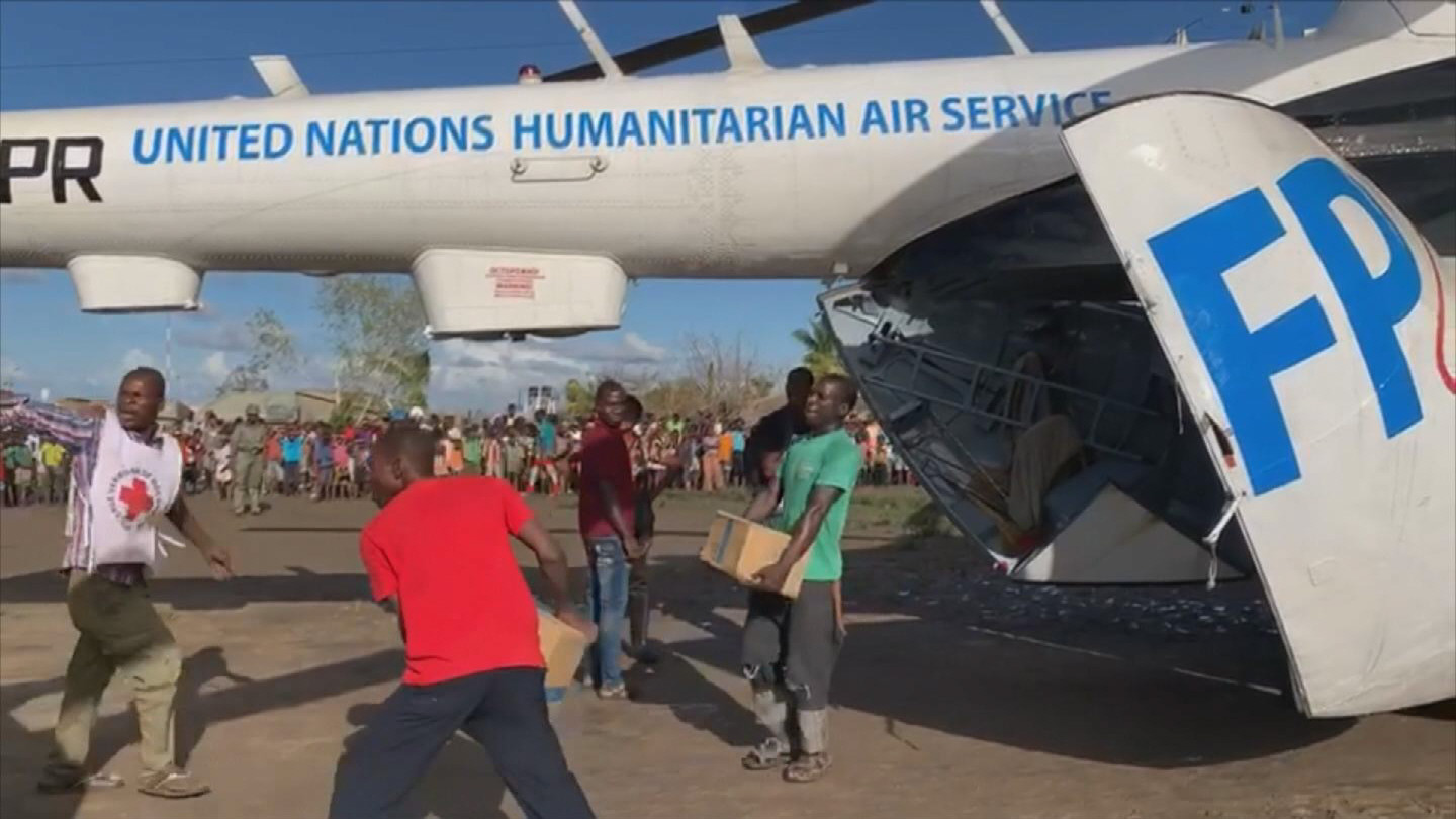 MOZAMBIQUE  FLOOD AIRLIFTS