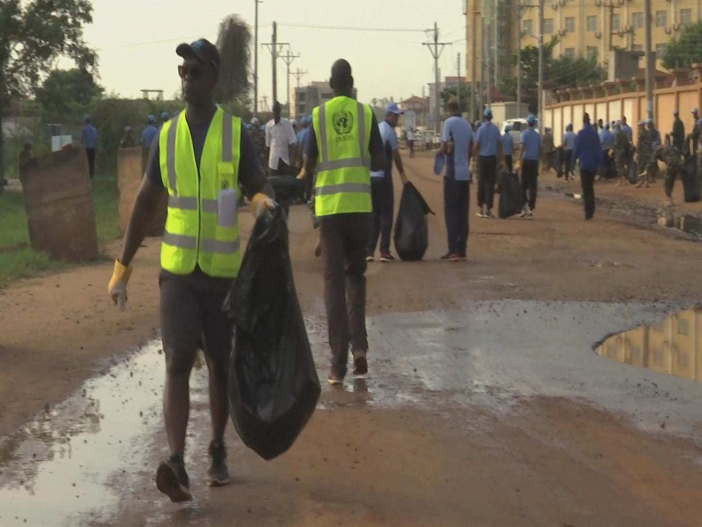 SOUTH SUDAN  PEACEKEEPERS CLEANUP