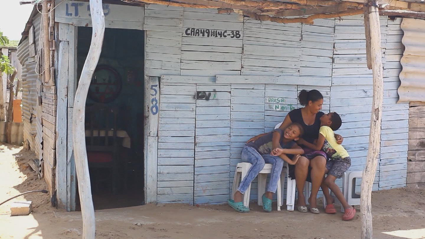 COLOMBIA  DISPLACED SHELTERS