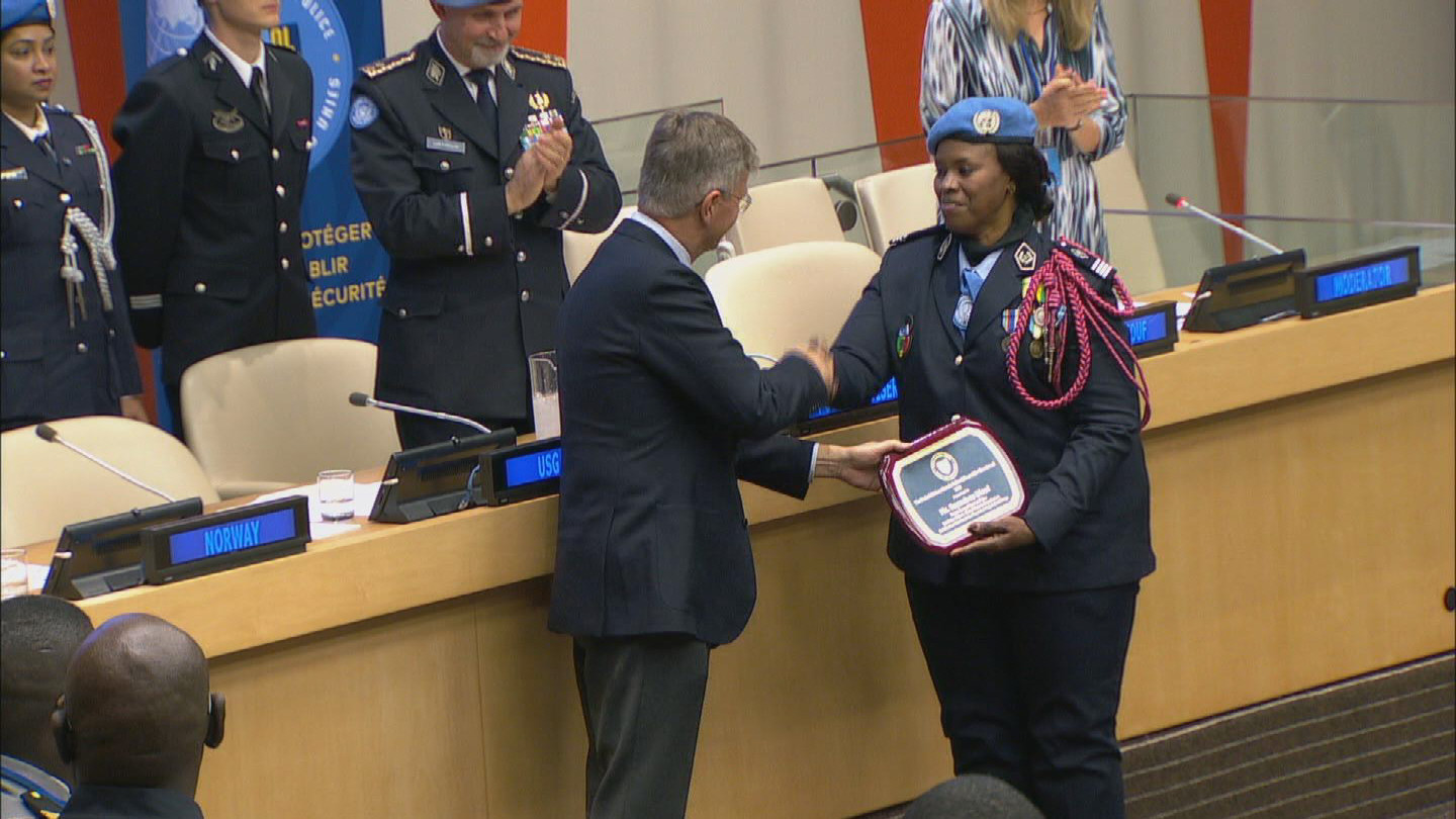 UN  FEMALE POLICE OF THE YEAR