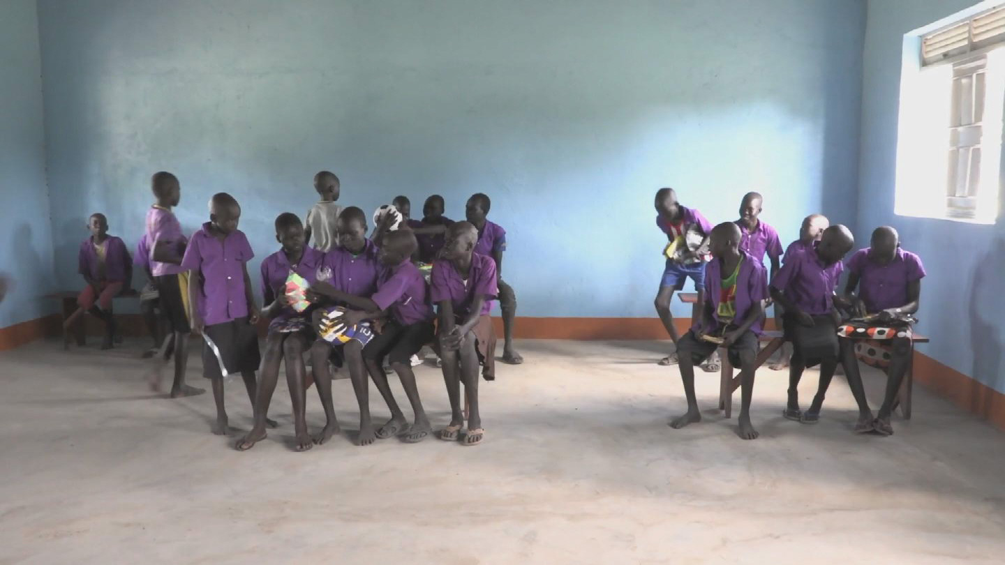 SOUTH SUDAN  SCHOOL GIRLS
