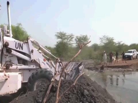 SOUTH SUDAN  ROAD REPAIR